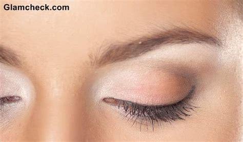 beauty   contouring eyes  white eye shadow