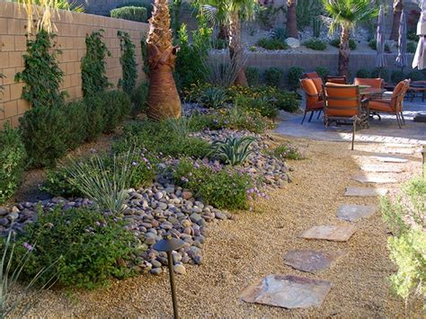 jardines peque 241 os y patios con decoraci 243 n zen jardin