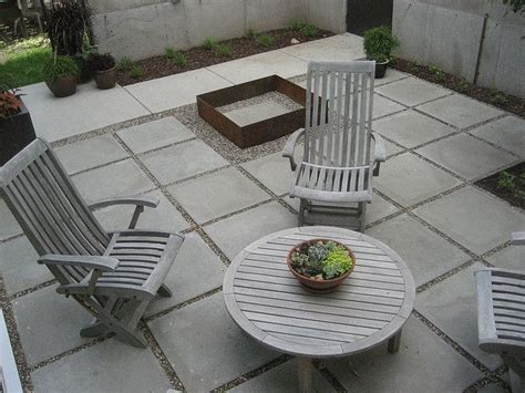 Backyard Concrete Slab by 25 Best Ideas About Concrete Pavers On Yard
