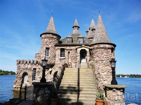 gorgeous gilded age boldt castle  upstate  york sits    island