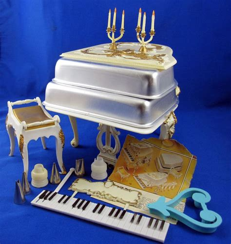 wilton baby grand piano shape cake pan kit bench