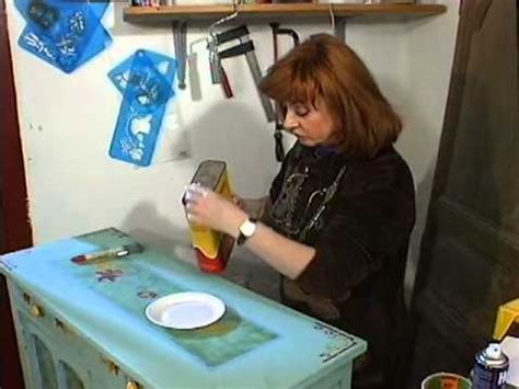 vernis table cuisine comment peindre ses vieux meubles décoration
