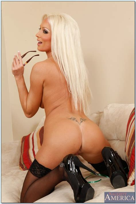 Gorgeous Blond Woman Nailed From Behind Photos Diana Doll