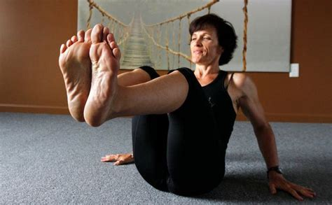 feet strengthening classes promote barefoot exercise