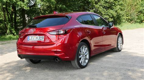 Design elevated to a work of art. Mazda3 Exclusive Line Test Fahrbericht Modell 2017/2018 ...