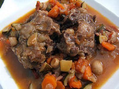 cuisiner queue de boeuf recette de queue de boeuf à l 39 andalouse