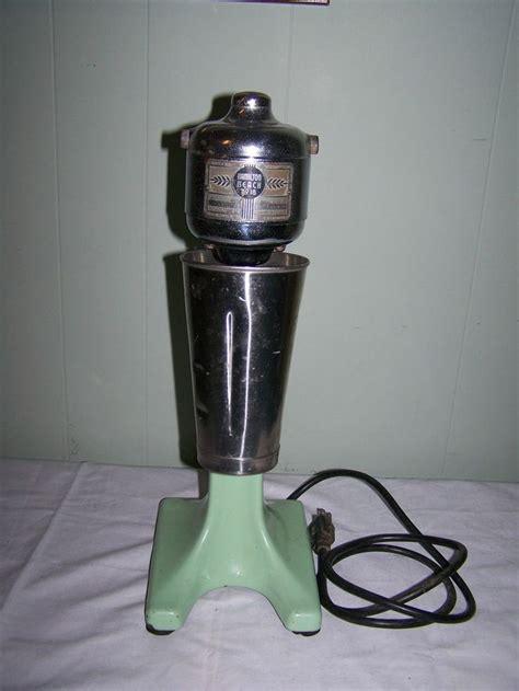 Vintage hamilton beach milkshake malt mixer no 18 jadite