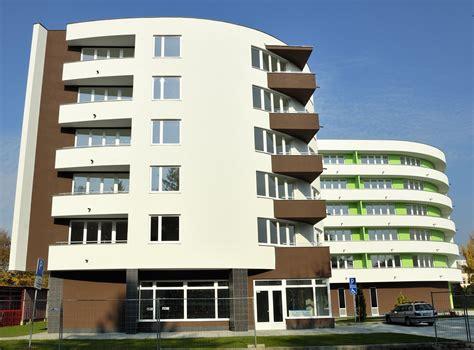 Filenew Apartments In Senicajpg  Wikimedia Commons