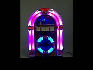 Mini Jukebox CD Music Player Light Wood