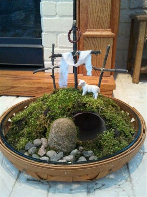 Religious Easter Decorations Ideas by Easter Centerpiece He Is Risen Holidays
