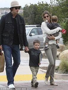 Tom Brady shows his softer side as he shares a snuggle ...