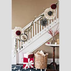 40 Gorgeous Christmas Banister Decorating Ideas