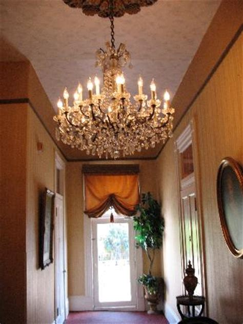 Chandelier In Hallway by Chandelier In Hallway Picture Of Cornstalk Hotel New