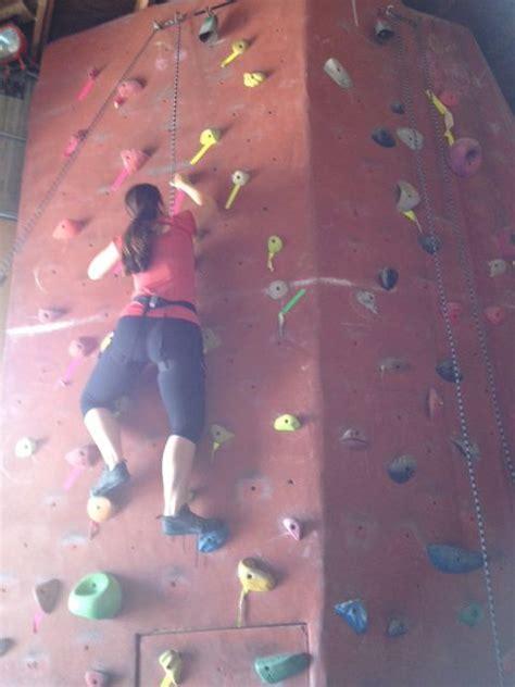 Does This Rock Climbing Wall Make Butt Look Big