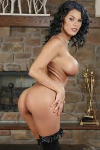 dark haired maid needs a good fuck photos peta jensen