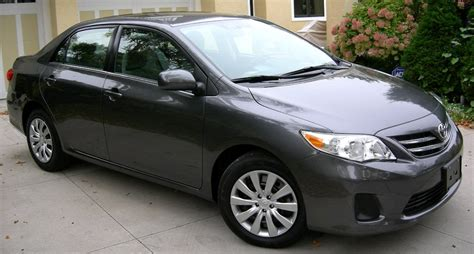 2013 Toyota Corolla Le by 2013 Toyota Corolla Pictures Cargurus