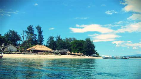 surga tersembunyi  pulau gili air lombok utara wisata