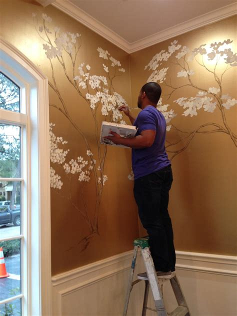 Wand Gold Streichen by Painted Cherry Blossoms On Metallic Gold Wall