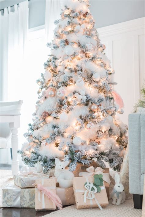 pictures of decorated christmas trees white christmas theme 3 classic color themes for your christmas tree
