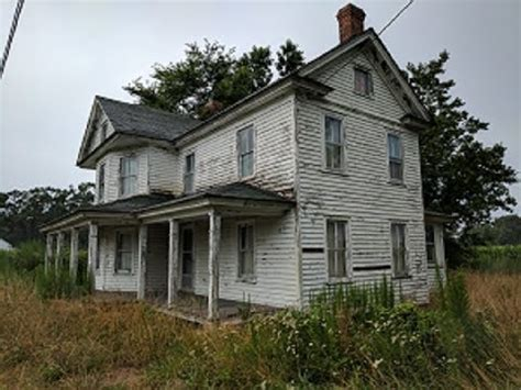 Abandoned Farm House Untouched (lots Of Antiques And Items