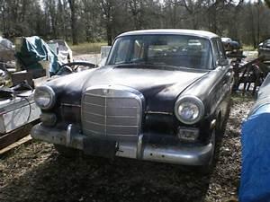 67 Mercedes 200d Diesel Fintail
