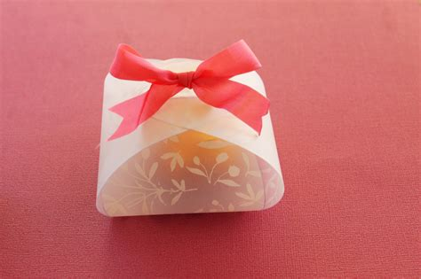 beautiful valentines diy paper boxes  flowers