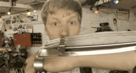 Crazy Dude Builds Fully Automatic Wolverine Claws In His