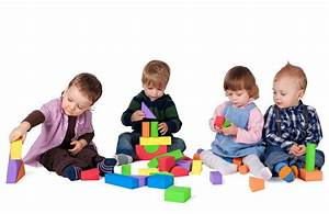 Why Do Montessori Classes Group Different Age Levels Together?