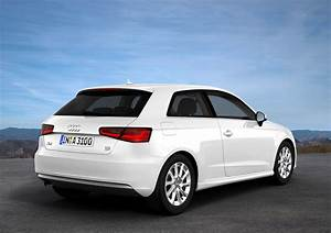 Audi A3 Sportback 2012 : foto exteriores 34 audi a3 sportback dos volumenes 2012 ~ Medecine-chirurgie-esthetiques.com Avis de Voitures