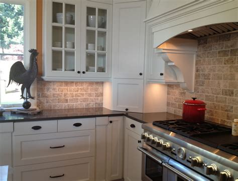 pictures of kitchen backsplashes with white cabinets backsplash ideas white cabinets brown countertop amazing