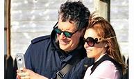 Fabrizio Frizzi passeggiata e selfie con moglie e figlia ...