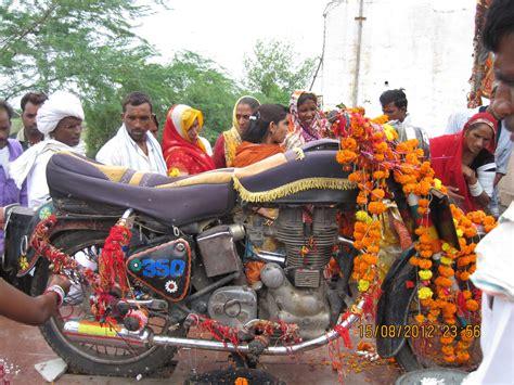 India Travel-om Bana- Motorcycle