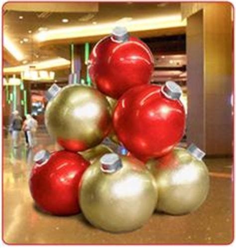 giant ornaments  create  big impact commercial