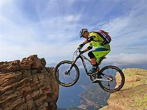 Job Club Auch Mit 50 Ist Extrem Mountainbiker Hans Rey Kein Weg Zu