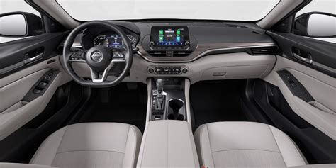 Nissan Altima Interior by Kia Rolls Out A New Size Suv The Telluride