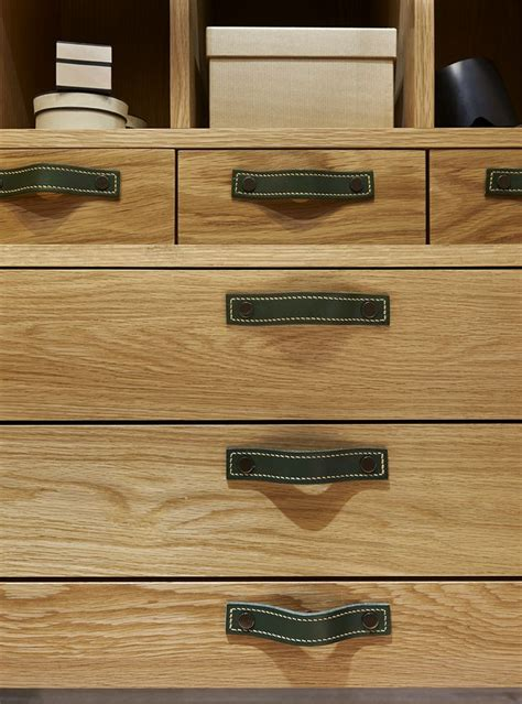 handles on kitchen cabinets 19 best walk in images on closet 4132