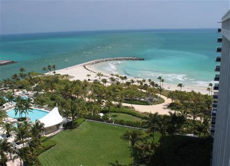 Harbour House Condominiums for Sale and Rent in Bal