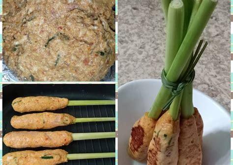 Untuk resep sate lilit ini, apabila anda kurang menyukai daging ikan, bisa juga diganti dengan daging ayam. Resep Sate Lilit Ayam Khas BALI oleh Farah Adelia Puspita - Cookpad