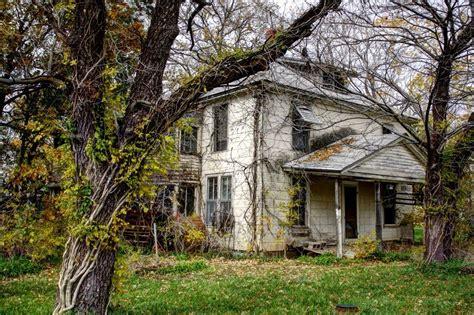 abandoned property south  burlingame ks  merhlin