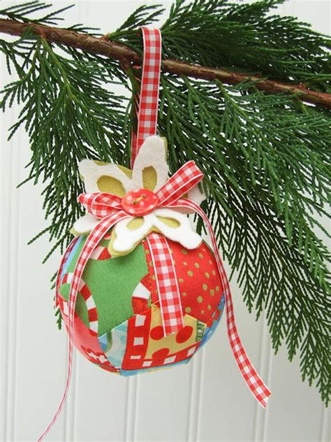 scrappy pentagons christmas bauble allfreesewingcom