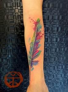 qué significa los tatuajes de plumas tucucu