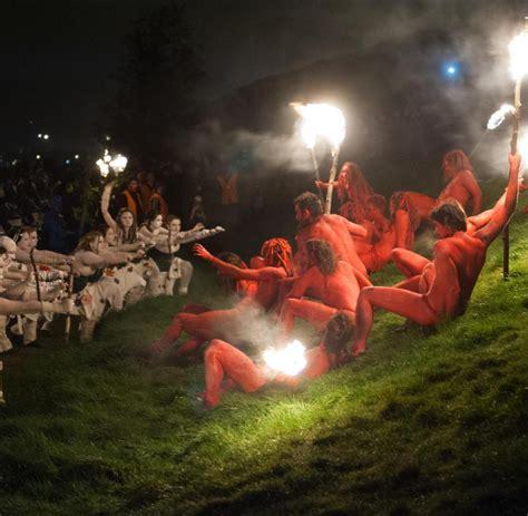 Beltane Fire Festival Hexenrausch Und Feuertanz In Der Walpurgisnacht Bilder Fotos Welt
