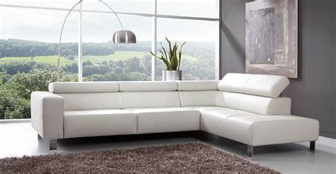 canapé d angle cuir blanc le canape en cuir blanc pour une decoration epuree de