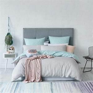 1001 conseils et idees pour une deco couleur vert d39eau With superior idee couleur mur salon 3 1001 conseils et idees pour une chambre en rose et gris