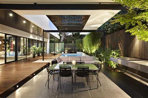 House Patio Designs by แบบบ านแนวโมเด ร น ความท นสม ยท แฝงความเป นธรรมชาต กลาง