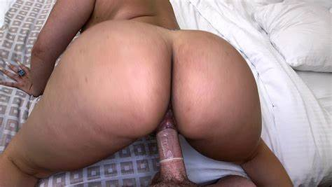 Winsome Gal In True Pussylicking Vids