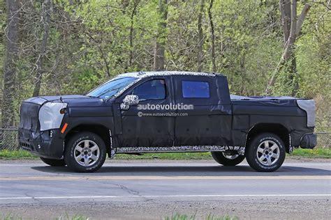 2019 Chevrolet Silverado Spied, Dual And Sideexit