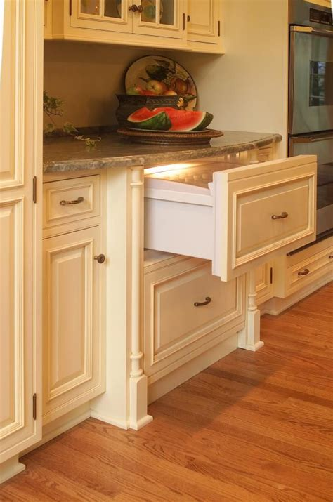 organization for kitchen 32 best images about plato woodwork on oak 1237