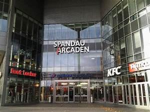 Spandauer Arcaden Läden : eingang bild von spandau arcaden berlin tripadvisor ~ Watch28wear.com Haus und Dekorationen