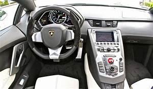 Em Beverly Hills você pode alugar uma Lamborghini ...